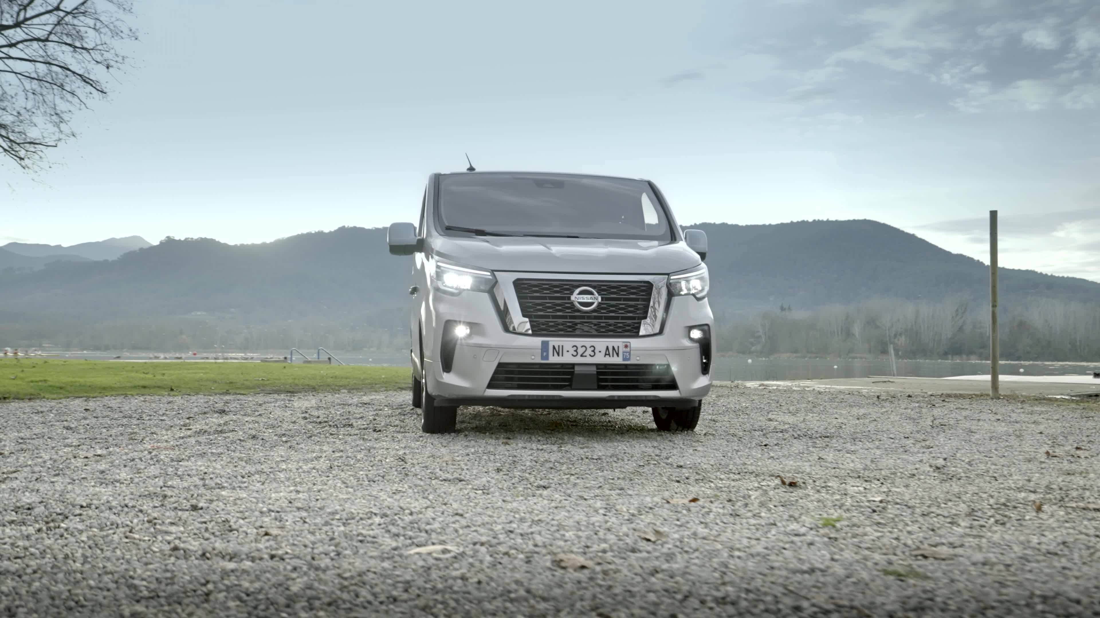 Nissan upgrades the NV300 Combi with sharper look and feel, enhanced powertrain and new safety technologies - Image 3